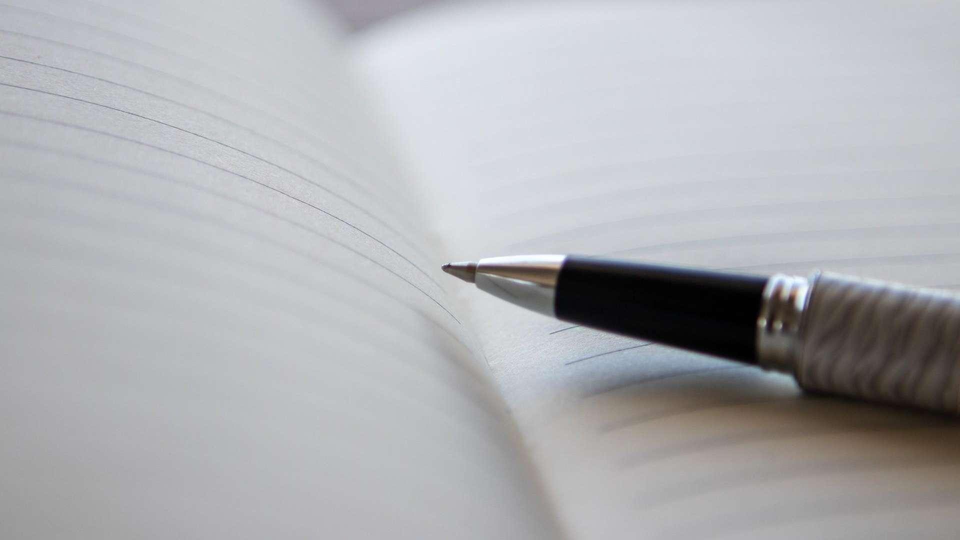 Kynä ja muistikirja