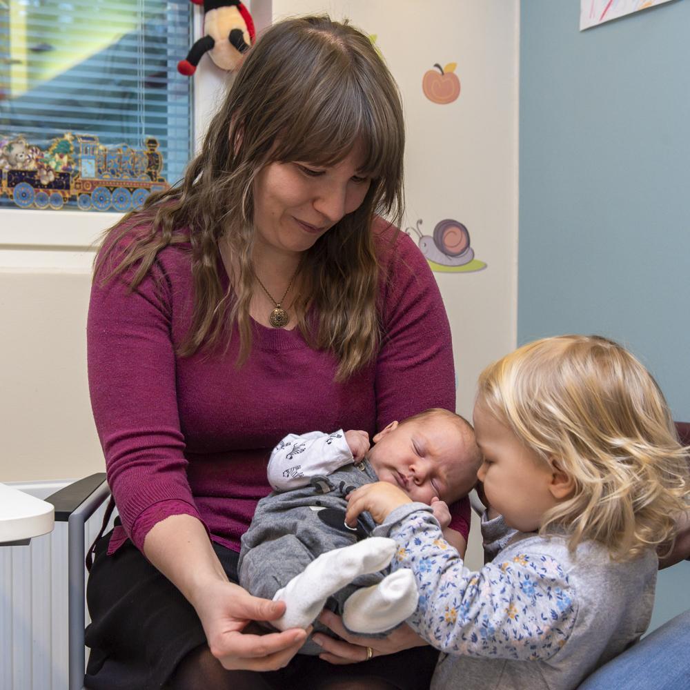 Lapsen kotihoito on vaihtoehto kunnalliselle päivähoidolle