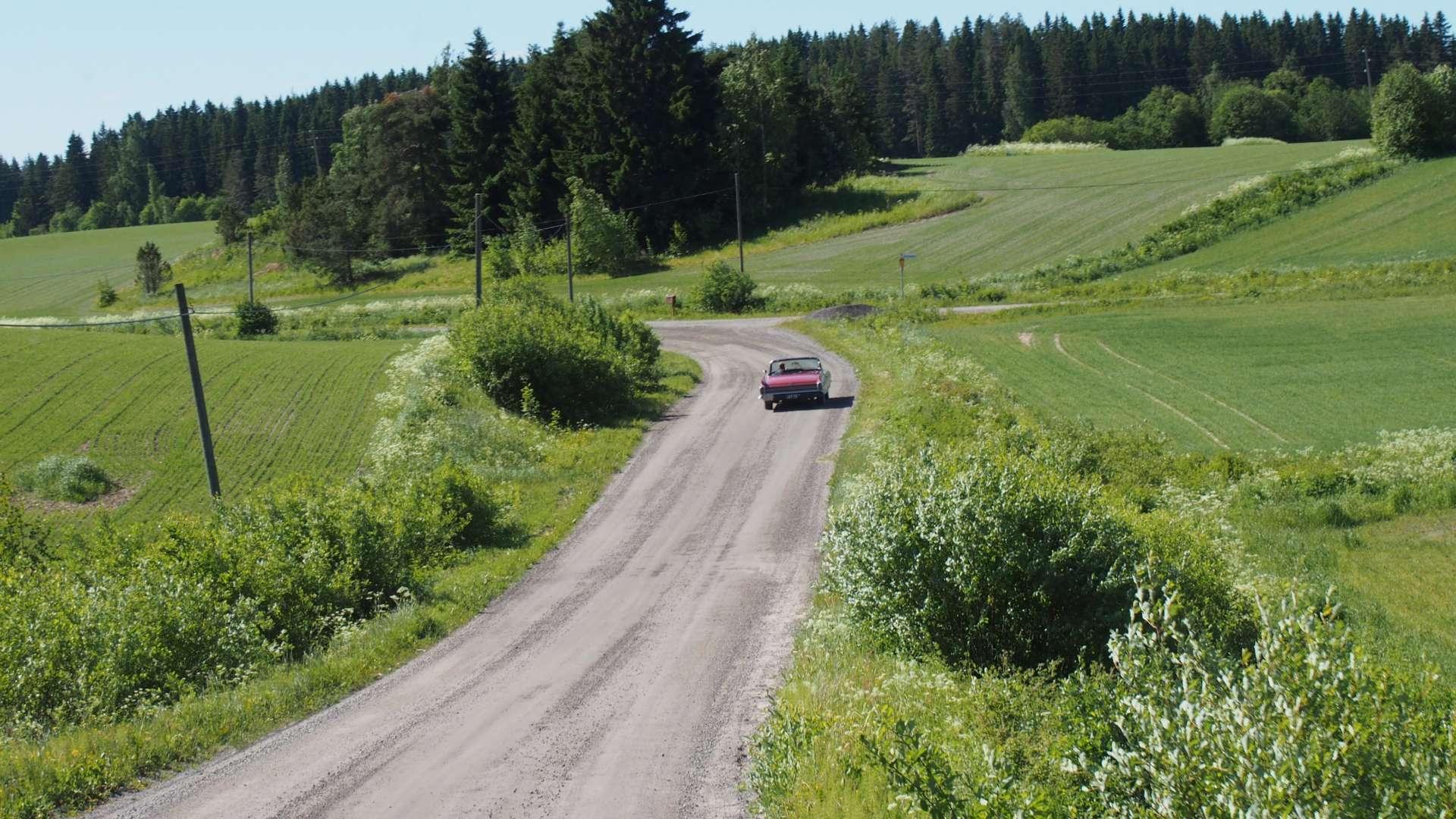 Oriveden Pitkäjärven kauniissa, kesäisissä maalaismaisemissa ajelua.