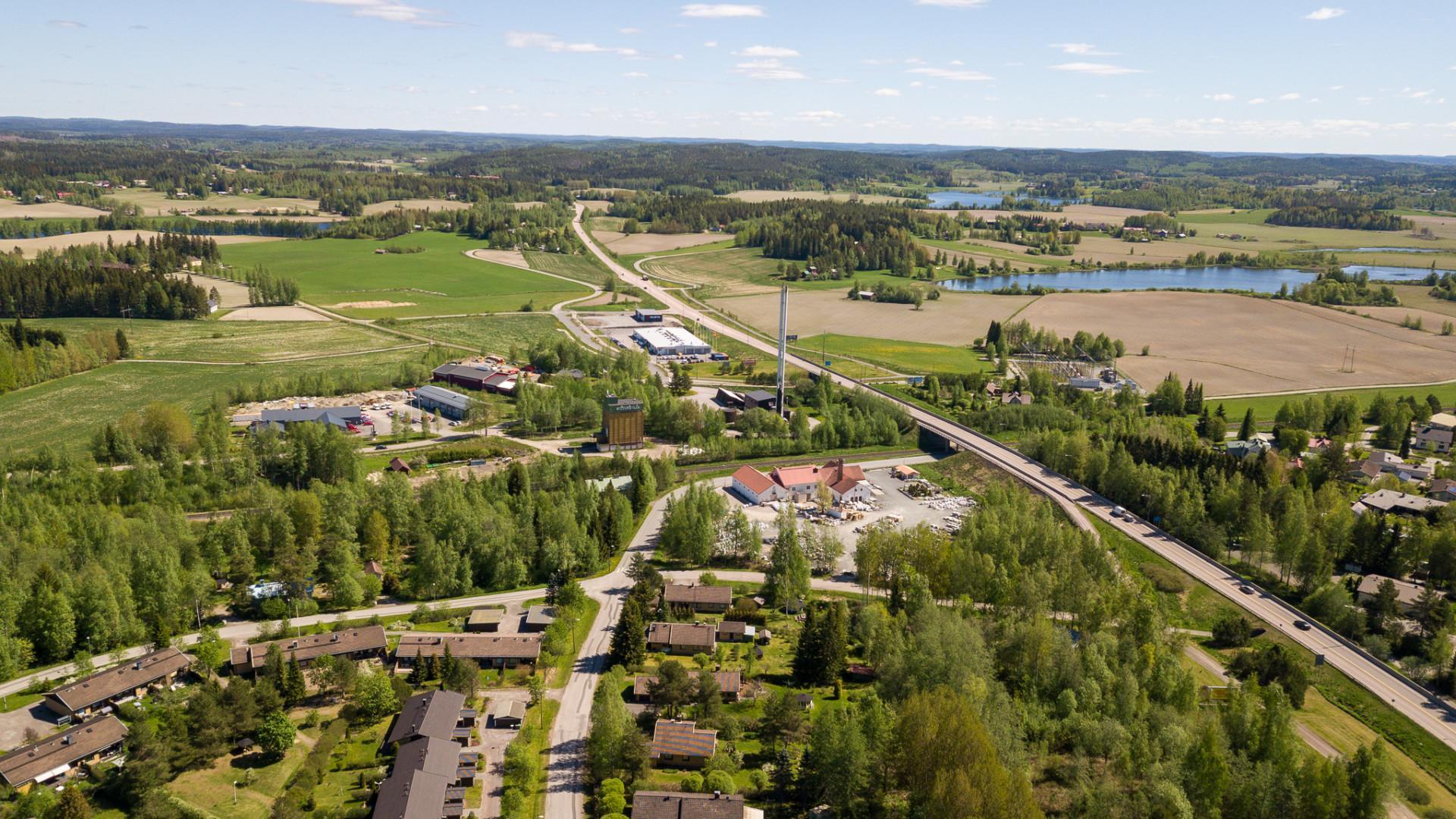 Orivettä ilmasta kuvattuna, näkymä ysitien rampilta Jyväskylän suuntaan.